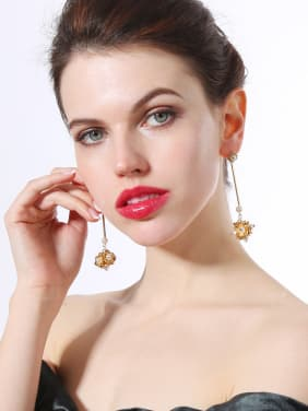 Handmade Artificial Pearls Flowers Shaped Drop Earrings