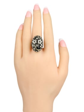 Retro style Oval Resin stone White Crystals Alloy Ring