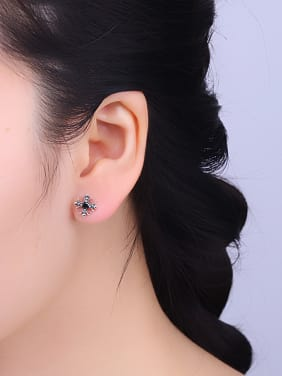 Vintage Style Flower Shaped stud Earring