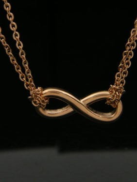 8 Shaped Gold Plated Simple Fashion Titanium Necklace