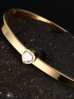 Fashionable Gold Plated Heart Shaped Rhinestone Bangle