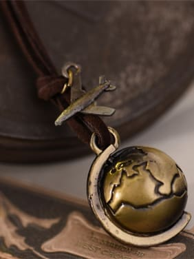 Vintage Women Globe Shaped Necklace