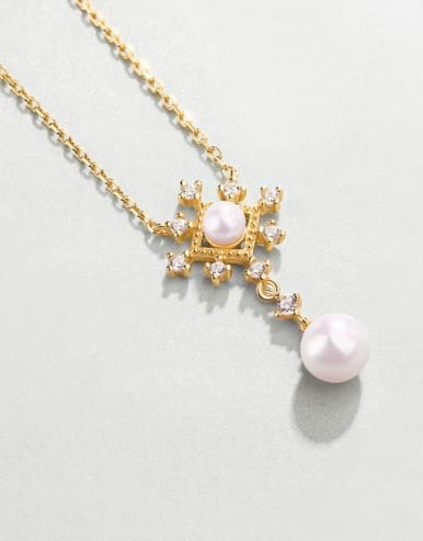 925 Sterling Silver With Freshwater Pearl Delicate snowflake Necklaces