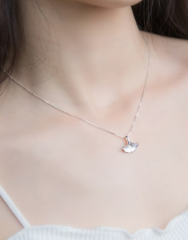 S925 Silver Ginkgo Leaves Short Necklace