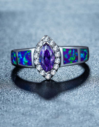 Oval-shaped Multistone ring
