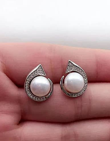 Freshwater Pearl Geometrical stud Earring