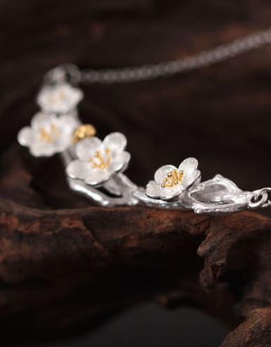 Plum Blossom Women Accessories Necklace