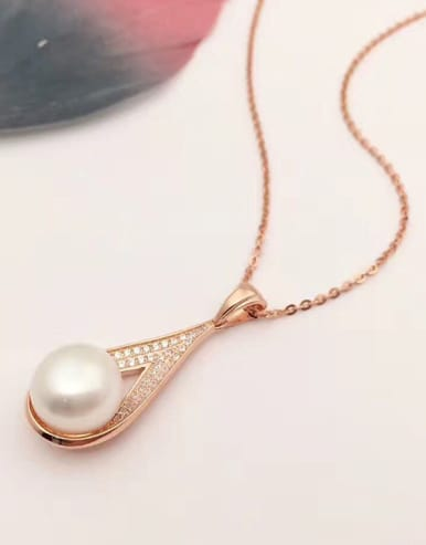 2018 Freshwater Pearl Water Drop shaped Necklace