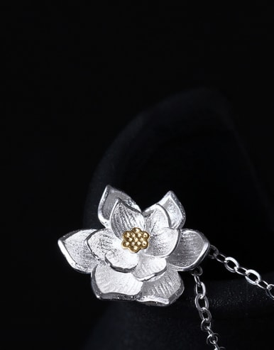 Women's Retro Palace Lotus Necklace