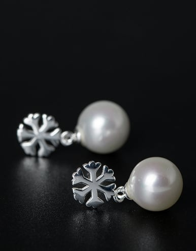 Simple Shell Pearl Little Snowflake 925 Silver Stud Earrings