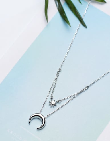 Temperament Moon Shaped S925 Silver Sweater Chain