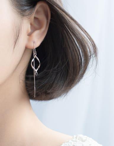 Elegant Wave Shaped S925 Silver Line Earrings