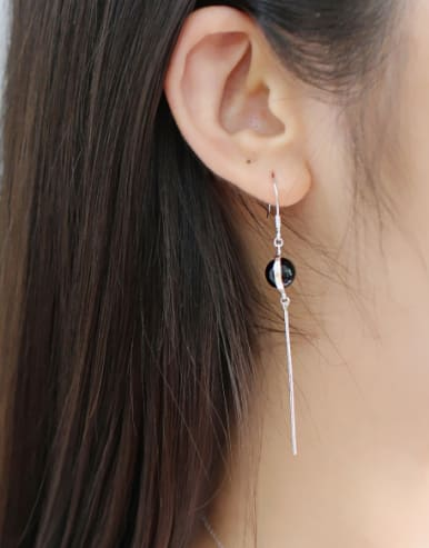 Fashion Black Carnelian Ball Asymmetrical Silver Drop Earrings