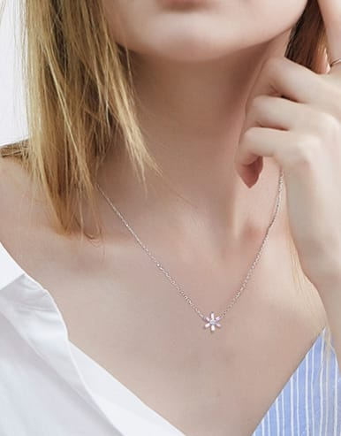 Simple 925 Silver Zirconias Flower Necklace