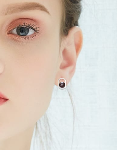 Simple Freshwater Pearl Hollow 925 Silver Stud Earrings