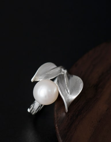 Leaves-shape Personality Adjustable Statement Ring