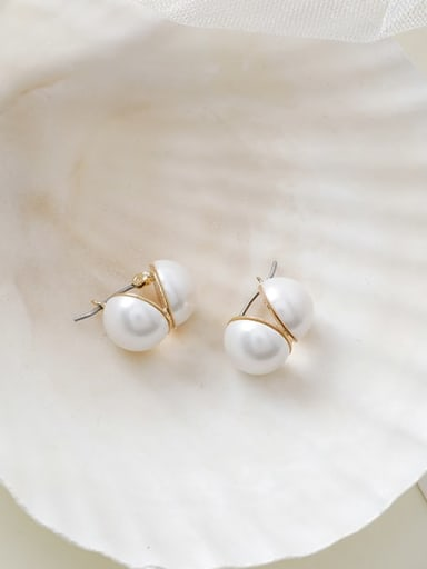 Alloy With Gold Plated Simplistic Round Stud Earrings
