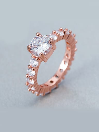 Round-shaped Zircon Ring