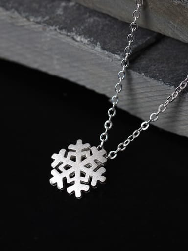 Romance Snowflake Women Clavicle Necklace