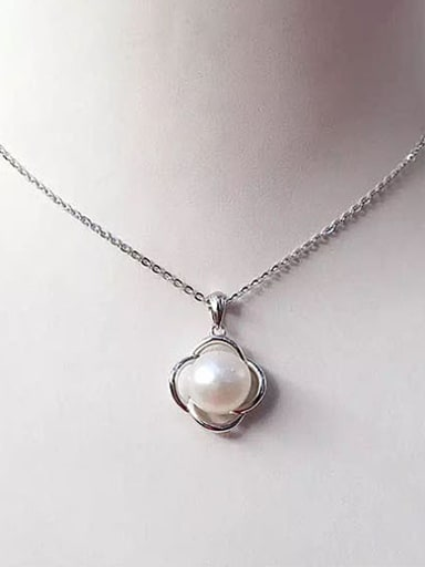 Freshwater Pearl Hollow Flowery Necklace