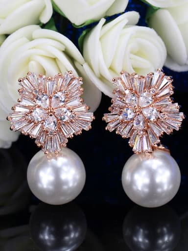 Snowflake Shell Pearls Cluster earring