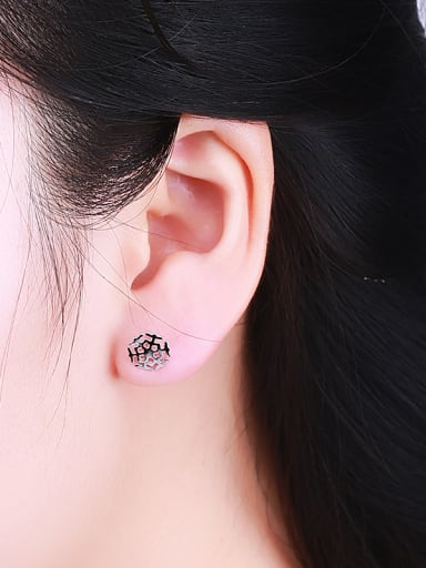 Exquisite Snowflake Shaped Stud Earrings