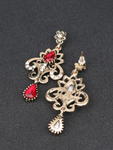 Retro Luxurious style Water Drop Zirconias White Rhinestones Alloy Drop Earrings