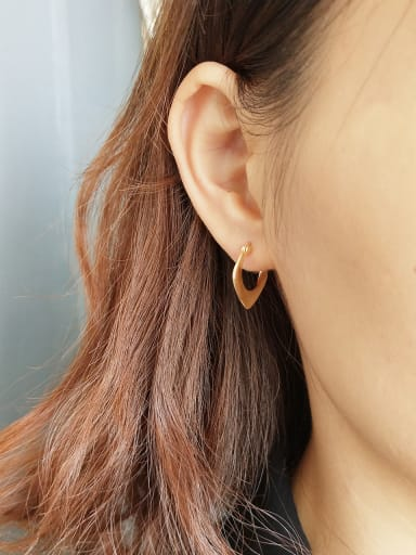 Sterling Silver with geometric simplicity and golden ear studs earring