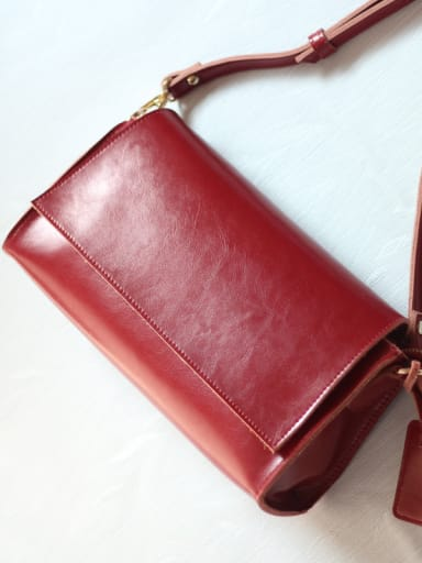 New two-layer cowhide retro diagonal bag