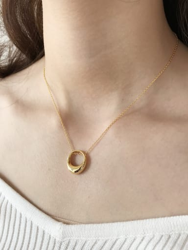 Sterling silver minimalist texture gold oval necklace