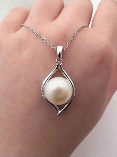 Fashion Freshwater Pearl Water Drop shaped Necklace