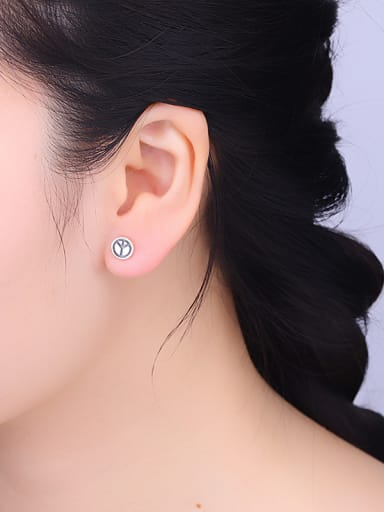 Women Vintage Round Shaped stud Earring