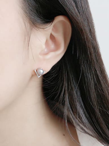 Pure silver micro diamond triangular freshwater pearl ear nail