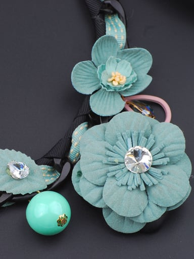 Fashionable Handmade Cloth Flowers Woven Ribbon Necklace