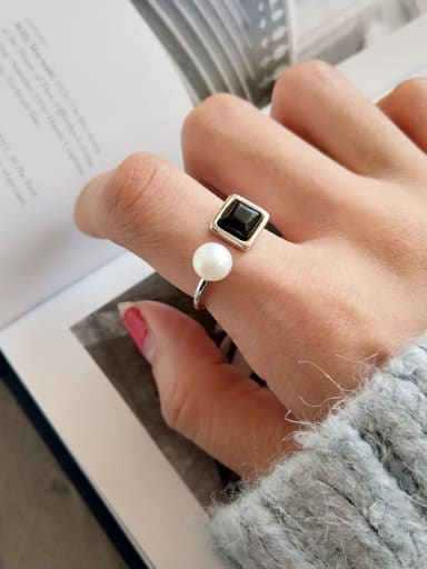 Sterling silver synthetic pearl black agate ring
