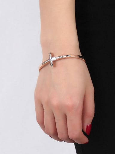 Elegant Rose Gold Plated Cross Shaped Rhinestone Bangle