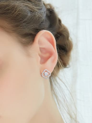Simple Hollow Clover Shiny Stud Earrings