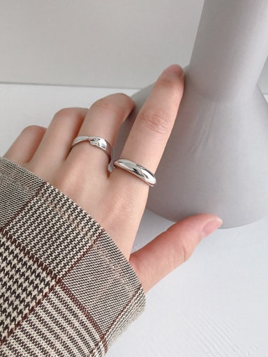 925 Sterling Silver With Smooth Simplistic Round Free Size Rings