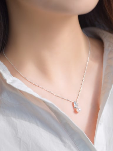 Elegant Leaf Shaped Artificial Pearl S925 Silver Necklace