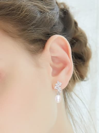 Fashion Leaves-stack Freshwater Pearl Stud Earrings