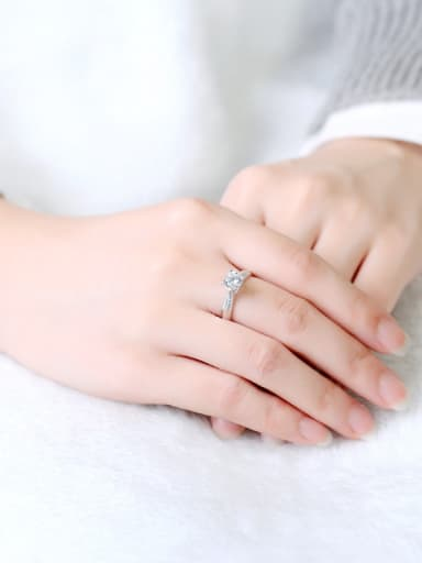 Arrow and Heart Zircon Shining Ring