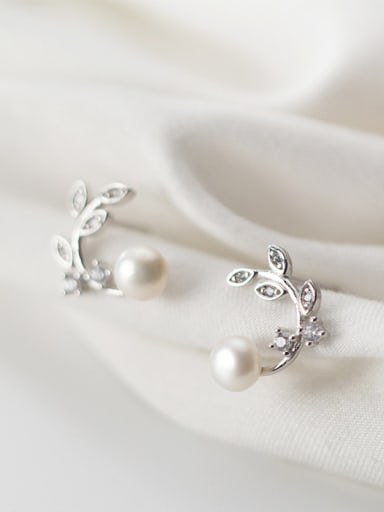 925 Sterling Silver With Platinum Plated Personality Leaf Stud Earrings