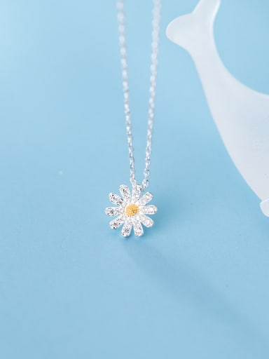 S925 Silver  With Platinum Plated Simplistic Flower Necklaces