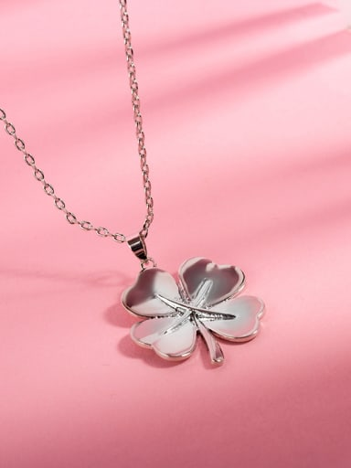 Fashionable Clover Shaped Platinum Plated Necklace