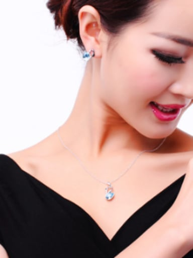 High-grade 18K White Gold Austria Crystal Swan Shaped Necklace