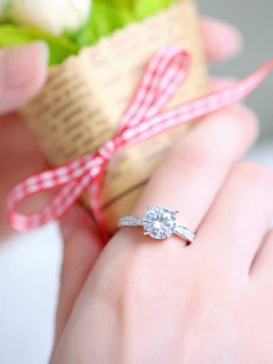 Noble Fashion Shining Zircon Simple Ring