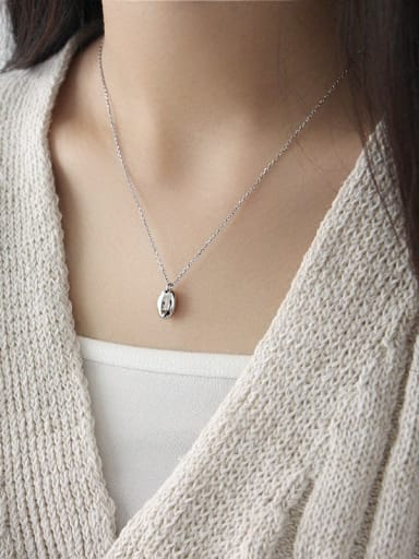 925 Sterling Silver With Platinum Plated Simplistic Oval Necklaces