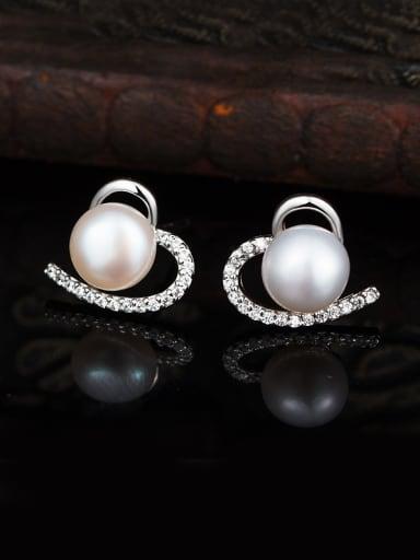Heart-shaped Pearl Cluster earring