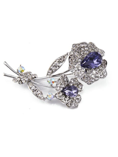 2018 Flower-shaped Crystal Brooch