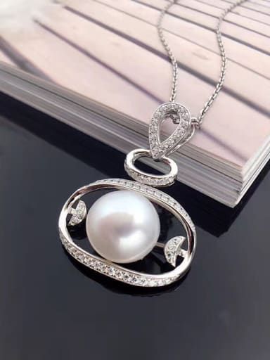 Exaggerated Freshwater Pearl Oblate Necklace